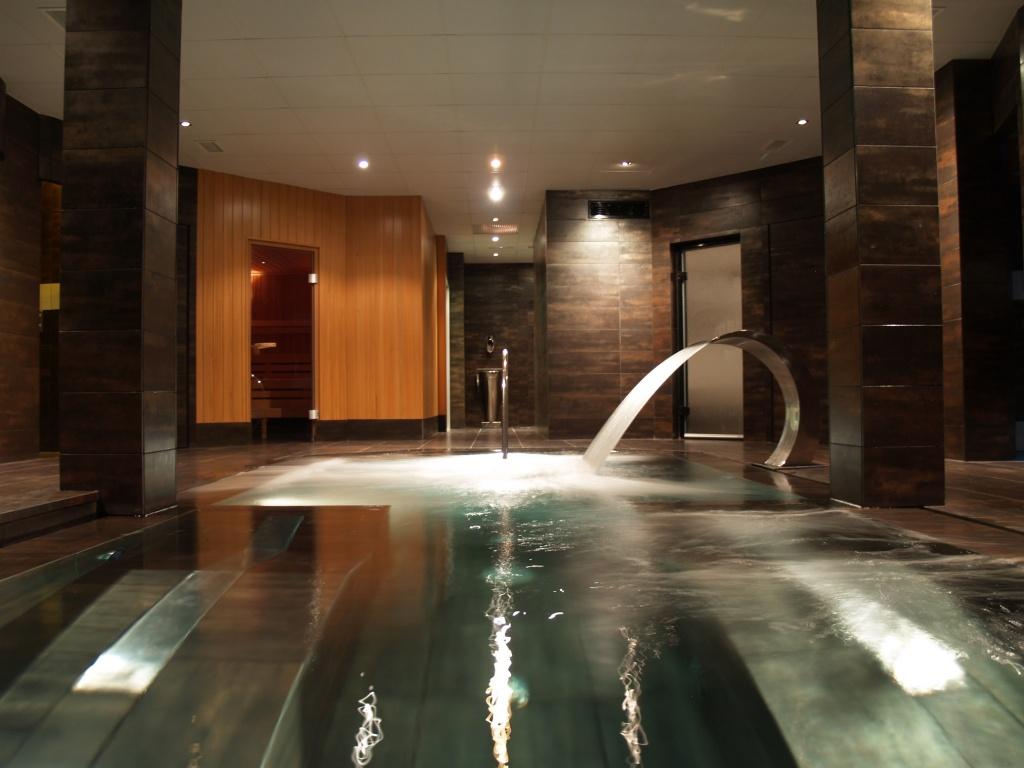 Vitality pools wellness professional freixanet wellness projects - Spa urbano valladolid ...